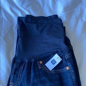 Brand new w/ tags Gap maternity straight leg jean